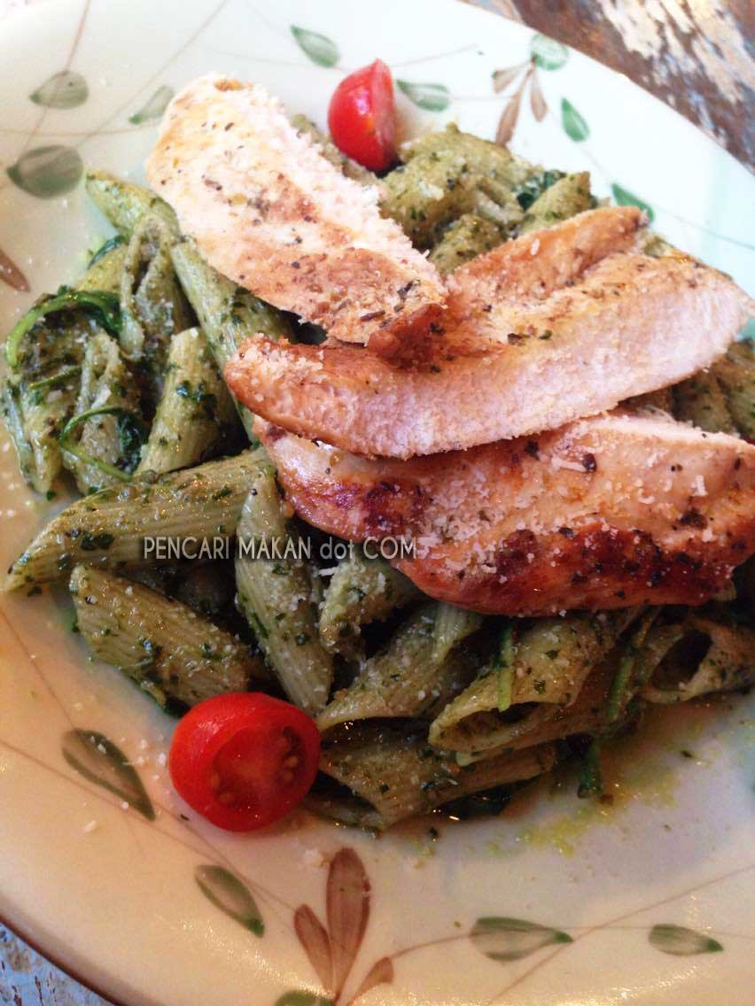 Penne Basil Spinach Pesto with Grilled Chicken - RM16