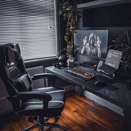 Design Ruang Kerja Youtuber Gaming