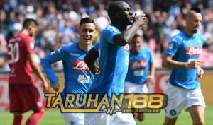 napoli3 - Soccer: Serie A; Napoli-Cagliari