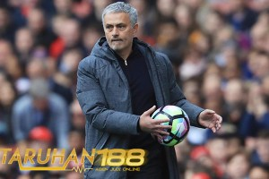 Mourinho Nilai Klub Inggris Sulit Menangkan Trofi Liga Champions