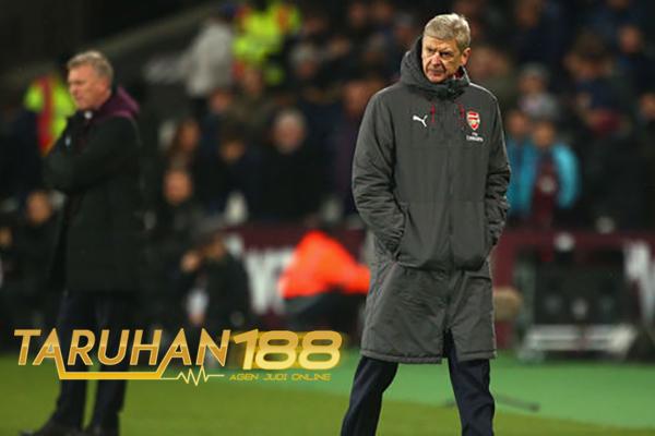 Imbang Lawan West Ham Arsenal Masih Lebih Beruntung dari Chelsea