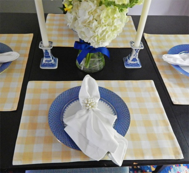 Dining room tablescape 4