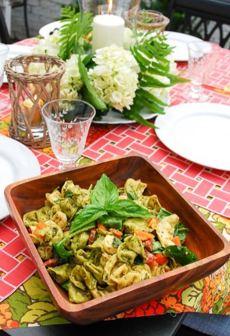 alfresco-summer-dining-hydrangea-tablescape-16