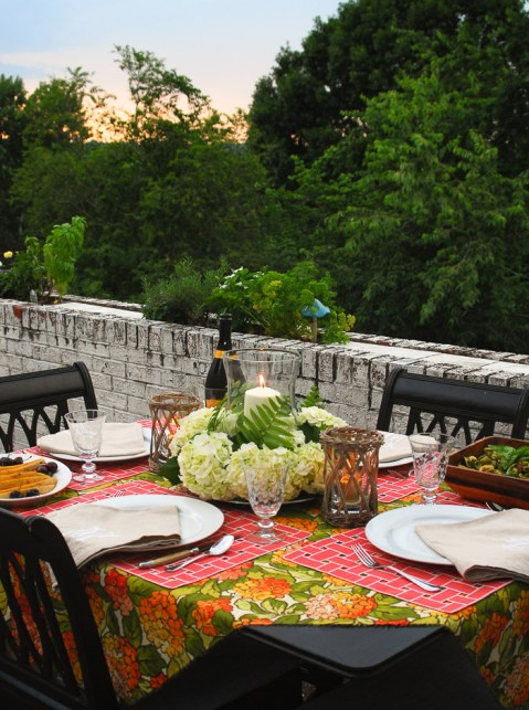 alfresco-summer-dining-hydrangea-tablescape-31