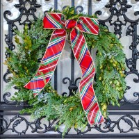 DIY Christmas Wreath with Fresh Greenery
