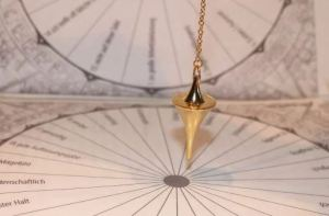 How to Conduct a Pendulum Reading