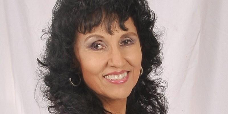 Author Janet Perez Eckles