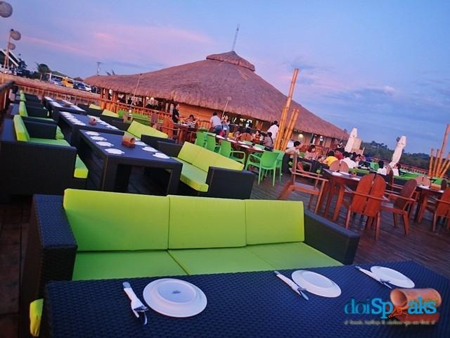 Lantaw Floating Restaurant in Cordova, Cebu