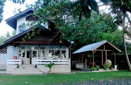 Padma Anyer Villa & Hotel - www.booking.com