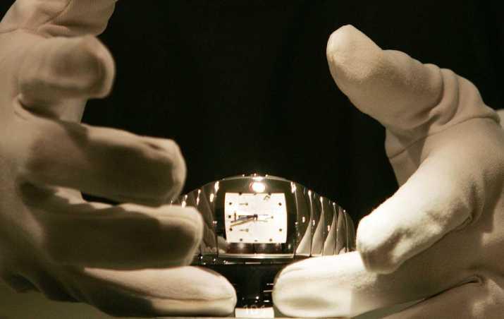 cara memakai jam tangan