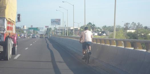 Denuncian agrietamiento en el puente de la 8 de Octubre