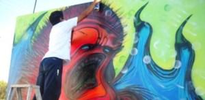 Los jóvenes aprovecharon para mostrar su rechazo a que seguridad pública y sociedad los vean como delincuentes, razón de ello es que en la legislación sudcaliforniana se penalice al grafiti hasta con tres años de cárcel.