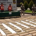 Elementos del Ejército Mexicano, en su lucha contra el narcotráfico, lograron el pasado sábado el aseguramiento de 649 kilos de marihuana, en un autobús de pasajeros y a dos presuntos narcotraficantes. (Eliseo Zuloaga).