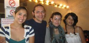 4 jóvenes egresados de la facultad de Artes, de la Universidad de Veracruz, apoyados por un gran equipo técnico, dan muestras de lo que artistas nativos de la península de Baja California son capaces de crear, si se trabaja con esmero.