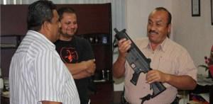 Importante dotación de armas recibió ayer la Policía Ministerial del Estado.