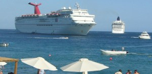 Información del día indicaba que navieras Royal Caribbean y Princess Cruises, se retirarían de las costas de Cabo San Lucas, Mazatlán y Puerto Vallarta, supuestamente debido a la crisis de inseguridad en el país.