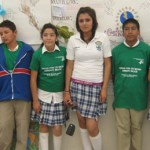 Estudiantes de la telesecundaria de la Laguna San Ignacio participantes en el concurso alusivo al Día Mundial del Medio Ambiente (Enrique Montaño).