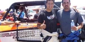 """Luis """"Fito"""" Ramírez y Carlos Olmos """"Jampy"""", el 1-2 de la """"Coyote-300"""" en la Clase 1."""