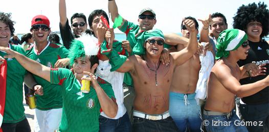 ¡Super festejo maleconero por la victoria mexicana frente a la selección gala!