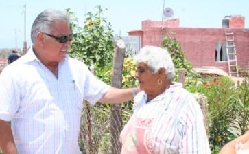 Ante la proximidad de las fiestas, visita el alcalde la Poza Grande