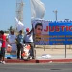 Familiares y amigos de Jonathan Hernández, exigieron justicia al Presidente Calderón y rechazaron el desdén con que los han tratado las autoridades estatales.