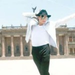 Estefan Jackson –nombre del imitador mexicano- aporta su participación el cuadro del aniversario luctuoso de Michael Jackson que se está llevando a cabo en diferentes partes del mundo.