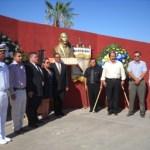 Con una ceremonia disminuida - a la que gobernador, presidenta municipal, Congreso del estado y secretario de Educación Pública, enviaron a sus representantes-; el día de ayer, se rindió en la ciudad de La Paz homenaje a Benito Juárez en su 138 aniversario luctuoso.