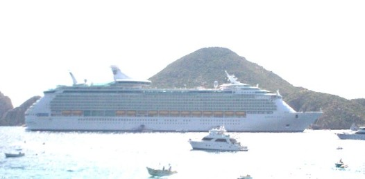 Arriba a LC el crucero Ocean Dreams