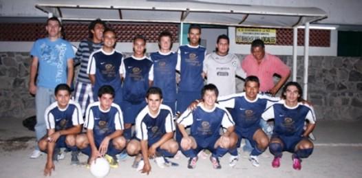 Oriente y Palapa Azul ganaron en la Especial