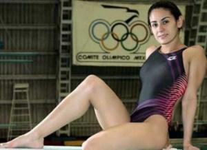 La clavadista no tuvo problemas para llevarse la medalla de oro tanto en el trampolín de tres metros (312.40 puntos) como en la plataforma individual (373.60), pruebas que ejecutó con elegancia y precisión.