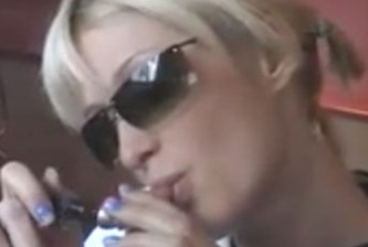 Ahora Paris Hilton le va a la verde en Sudáfrica