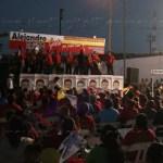 La esquina de 5 de Mayo y licenciado Verdad se llenó de rojo, música, niños, ancianos y la bandera gay.