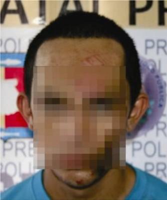 Chamaco chocó contra una casa y al auxiliarlo le hallaron mariguana, coca y crystal
