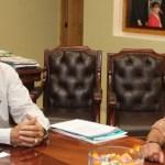 El gobernador Narciso Agúndez sostuvo un encuentro de trabajo con el delegado municipal del Vizcaíno Martín Esteban Domínguez Álvarez, con quien trato diversos asuntos relacionados con el desarrollo de esa región el norte de la entidad.