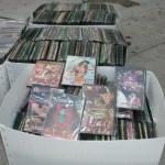 Se resalta que el material decomisado consiste en 2 mil 247 portadillas, así como 2 mil 247 estuches, mil 775 videogramas en formato DVD, además 433 fonogramas en formato CD, y 22 discos de juegos en DVD, quedando todo esto incautado para su posterior destrucción.