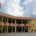 Convocados por el Sindicato de Burócratas, Sección La Paz, este día los 1 mil 200 trabajadores del Ayuntamiento de La Paz suspenderán labores desde las 8 de la mañana para instalarse en Asamblea General Extraordinaria Permanente.
