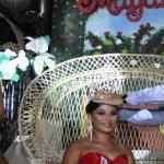 En el inicio de las fiestas tradicionales de Todos Santos, el gobernador Narciso Agúndez coronó a Magali I como Reina de estas importantes festividades que concluyen el próximo martes.