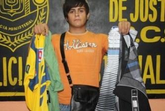 """Hizo pisa y corre """"El Michel"""" con ropa de última moda"""