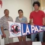A un día de partir a la Ciudad de Hermosillo, Sonora, la delegación deportiva, recibió el banderín que los identificará como lo Lobos Marinos del ITLP.