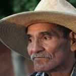 Actualmente el señor López Ríos tiene un año sin ser empleado, la última vez que trabajó fue en las tres desaladoras de Costa Baja, la que está en el interior de Costa Baja; en la más grande ellas, justo en el cerro frontal; y en la del Esterito.