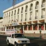 Lleva dos años cerrado el Hotel Los Arcos por parte del sindicato gastronómico.