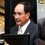 Los senadores Luis Coppola, Francisco Javier Obregón Espinoza y Ricardo Monreal Ávila demandaron, mediante un punto de acuerdo, exhortar a la PGR para que atraiga la investigación de los hechos violentos en donde se involucra, como posible objetivo, al candidato perredista a la gubernatura por BCS, Luis Armando Díaz.