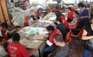 Imparten taller de «Artes plásticas para niños con alguna discapacidad»