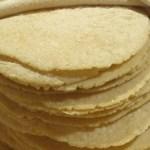 """""""Los costos de producción """"nos han orillado a tomar la determinación de incrementar el precio de la tortilla, que podría llegar a un mínimo de 12 pesos el kilogramo en promedio, pues en algunos estados del norte se vende hasta en 14 y 15 pesos."""