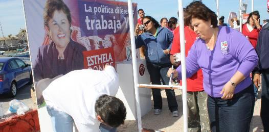 Rehabilita Esthela Ponce el parque infantil de El Manglito