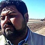 Miguel Ángel Acevedo, transportista en el plantón lamentó la falta de cooperación de la Dirección Estatal de Transporte a la cual le toca ver porque este tipo de convenio se cumpla pero que por una omisión en el criterio de la dependencia ha permitido la anarquía en las tarifas que cobran distintos transportistas.