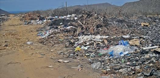 Cancelado el relleno sanitario, toneladas de basura comienzan a acumularse en Todos Santos
