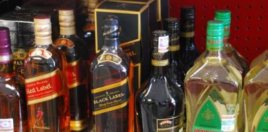 Hay más de mil 500 licencias de alcohol en La Paz