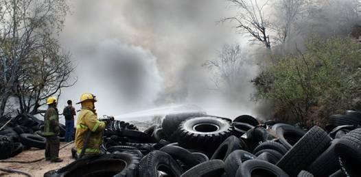 Más de 3 mil llantas ardieron sin control. Evaluará PROFEPA afectación al ambiente