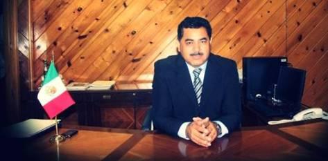 El secretario de Educación Pública, profesor Alberto Espinoza Aguilar ha comenzado una renovación exhaustiva de las áreas administrativas de la dependencia.